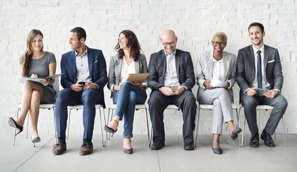 What is the difference between hiring introverts or hiring extroverts?